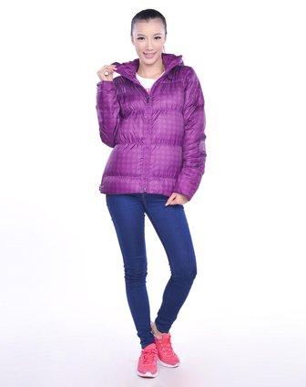 -女子紫色羽绒服