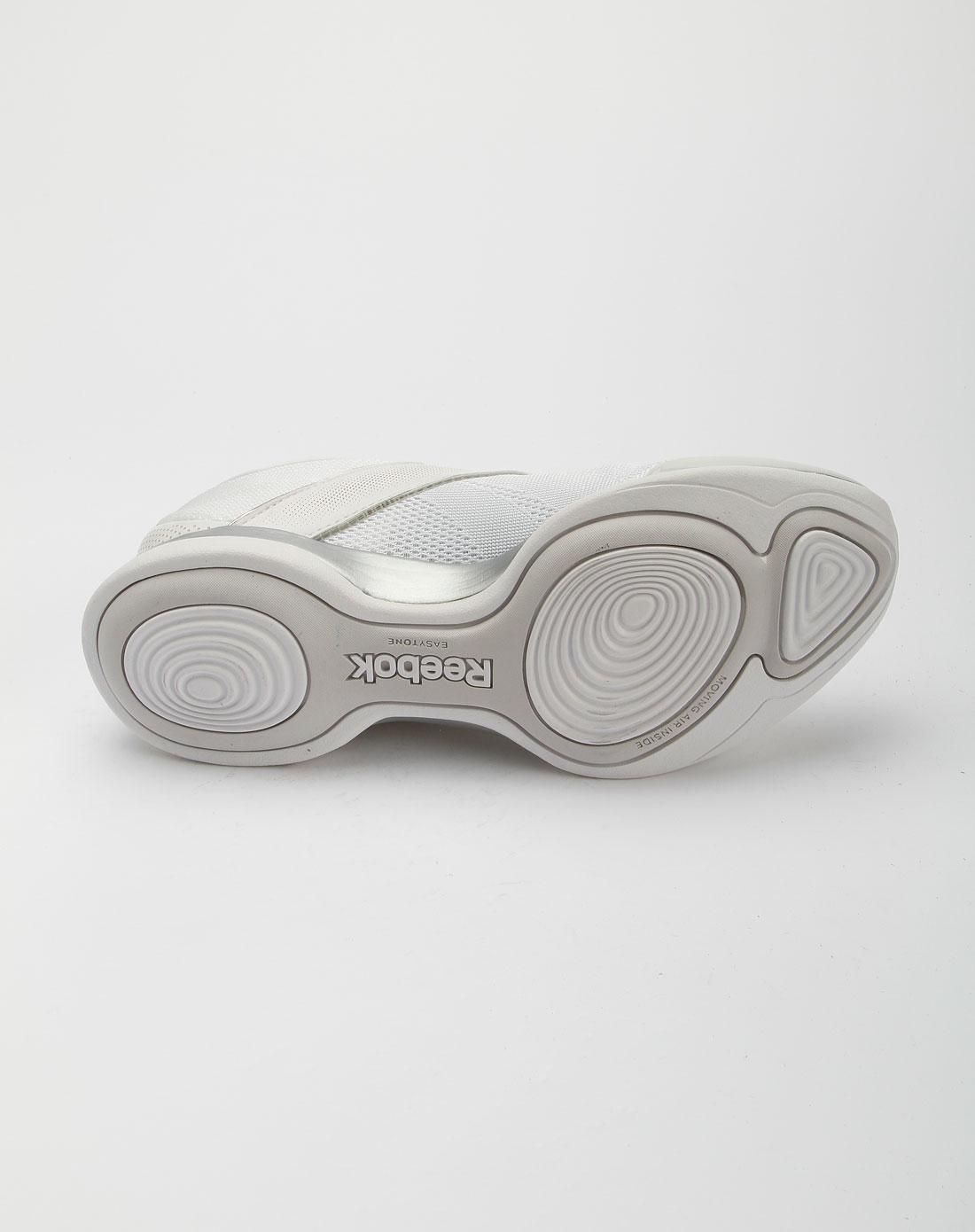 锐步reebok白色运动休闲鞋j22217