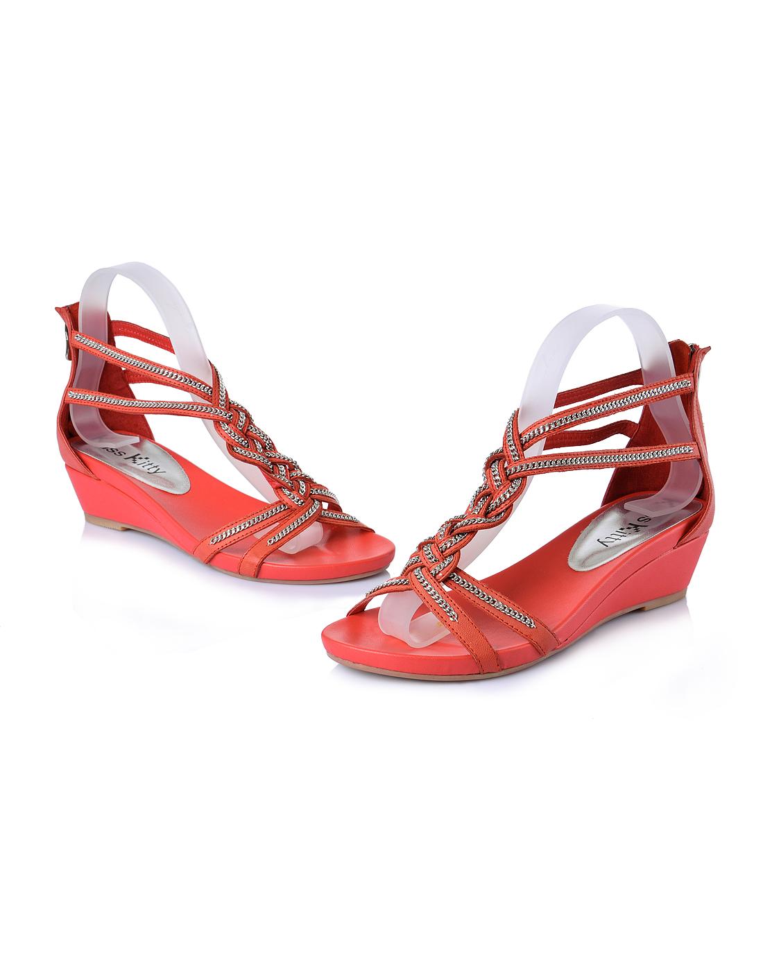 女款红色大圆头低跟条带凉鞋